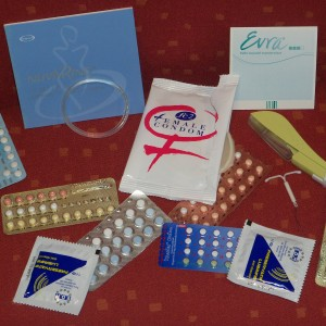 Mieux vaut-il mettre la pilule ou prendre un préservatif?