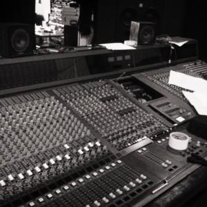 Quand un studio d'enregistrement débarque dans un studio de radio