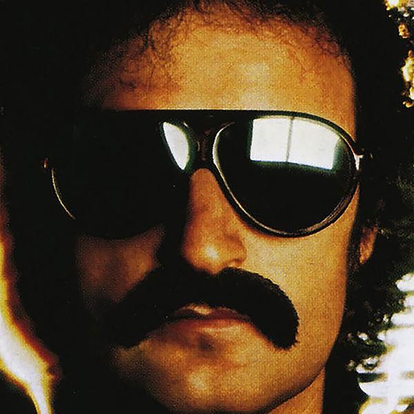#2 Un moustachu italien roi du synthé