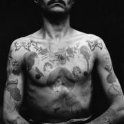 L'équipage passe sous l'aiguille pour un Sous-Marin 100 % tatoué
